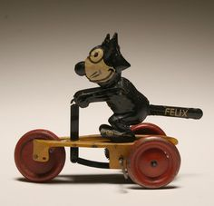 "Vintage Felix the Cat tin litho wind up; 1924 copyright mark, SG Made in Germany. 7""L. Good working condition, minor wear."