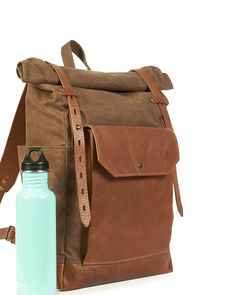 Ideal bag for daily use, work and studying. Made of a high-quality water-resistant British waxed canvas, oiled vegetable tanned leather, metal hardware, thick nylon thread and dense cotton lining. Top Backpacks, Waxed Canvas, Canvas Backpack, Vegetable Tanned Leather, Studying, Leather Backpack, British, Hardware, Brown