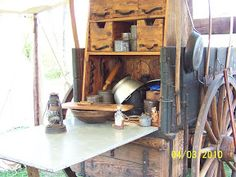 Cowboys and Chuckwagon Cooking : Cast iron Cooking from the Chuckwagon, the Stove or the Grill Hoe Cakes, Chuck Box, Chuck Wagon, Southern Recipes, Southern Food, Home Tools, Cast Iron Cooking, Cast Iron Cookware, Old Kitchen