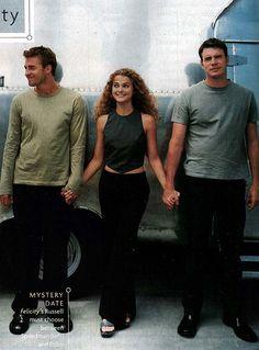 Scott Speedman (Ben Covington), Keri Russell (Felicity Porter) and Scott Foley (Noel Crane) on the set of Felicity.