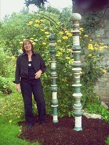 Drehen an der Scheibe - Toepfer-Kurse Garden Totems, Garden Art, Sculpture Clay, Trellis, Terracotta, Garden Sculptures, Totem Poles, Backyard, Exterior
