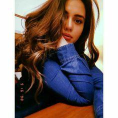 Teen Photography Poses, Teenage Girl Photography, Cute Girl Poses, Girl Photo Poses, Stylish Girls Photos, Stylish Girl Pic, Beautiful Girl Photo, Cute Girl Photo, Girl Pictures