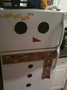 Snowman Fridge Christmas decoration from @ambersturgis. kids crafts diy