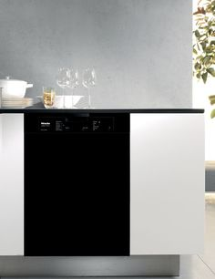 Did You Know You Can Purchase A Black Miele Dishwasher G4205BL For $899.00?  Great Price