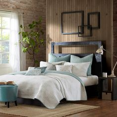For a simple yet modern design, the INK+IVY Pacific Coverlet Set is perfect for any room in your home. Its off-white background provides the perfect base for this soft blue channel stitching with embroidery intertwined for a geometric design. The reverse uses the stitching color from the front as the solid color for a pop of color.