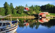 There are more than 700,000 sommarstuga hidden among Sweden's lakes