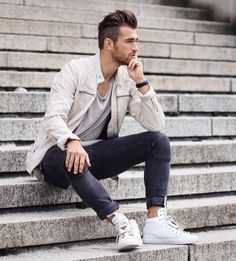 1 person boy photo shoot, man photo, photography poses for men, portrait ph Poses Pour Photoshoot, Men Photoshoot, Best Poses For Men, Good Poses, Portrait Photography Men, Fashion Photography Poses, Men Portrait, Poses Photo, Poses For Photos