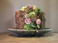 Art Floral, Xmas, Wreaths, Fall, Flower Arrangements, Floral Design, Floral Arrangements, Floral Arrangement, Fall Season