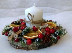 Christmas Gift Box, Christmas Candles, Christmas Design, Rustic Christmas, Christmas Wreaths, Christmas Crafts, Christmas Arrangements, Christmas Centerpieces, Shabby Chic Christmas Decorations
