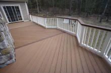 two toned deck staining | two tone composite deck herrignbone floor pattern white vinyl rails