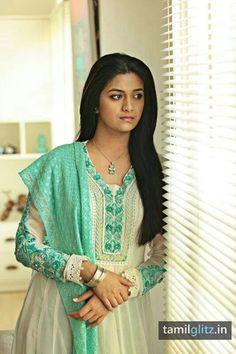 Keerthi Suresh Actress Photos Stills Gallery Most Beautiful Indian Actress, Beautiful Actresses, Girl Fashion Style, Tamil Actress Photos, Beautiful Girl Photo, South Indian Actress, Hot Dress, India Beauty, Asian Beauty
