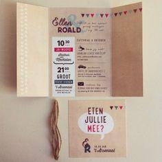 binnenkant vouwluik trouwuitnodiging met extra inlegkaart