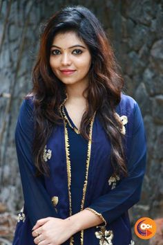 Actress Athulya Ravi Photos Photograph of  Athulya Ravi BUY GROCERY ONLINE | DAILY NEEDS SUPERMARKET - JIOMART PHOTO GALLERY  | JIOMART.COM  #EDUCRATSWEB 2020-05-23 jiomart.com https://www.jiomart.com/images/cms/aw_rbslider/slides/1590177884_491551662.jpg
