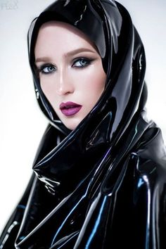 Image of: Latex for hijab Latex Wear, Latex Dress, Latex Outfit, Mode Latex, Latex Hood, Wet Look, Latex Fashion, Fashion Goth, Rain Wear