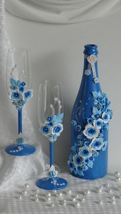 //Bottle and cups decorated with fimo// If you want more visit https://thehoneyclouds.wordpress.com/