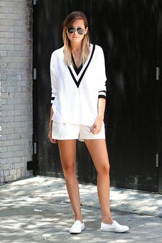 ways to pull off a deep v-neck sweater. 利用 V 領毛衣輕鬆打造秋冬悠閒風 | Popbee - 線上時尚生活雜誌 Street Style, V Neck, Shirt Dress, My Style, Sweaters, Shirts, Dresses, Fashion, Vestidos