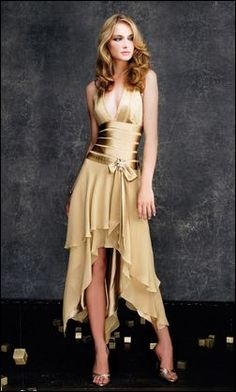 Normally would think something gold like this would be horrible.....yet if you accessorized right it would look lovely