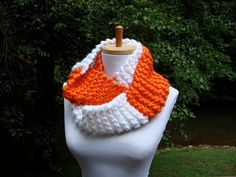 I have got to make this for the games!! @Allison Keener...if you make one for you...wanna make me one too??? purty please!