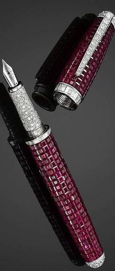 Beautiful as this Ruby-and-Diamond-Fountain-Pen is - it doesn't look comfortable to hold. But if you can afford it - who cares!