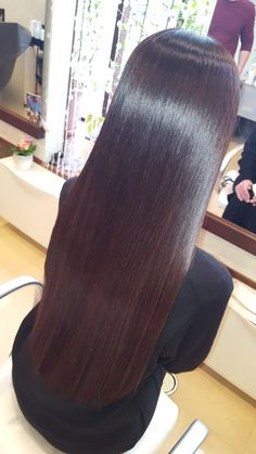 26 Prettiest Hairstyles for Long Straight Hair in 2019 - Style My Hairs Long Hair Dos, Long Dark Hair, Long Layered Hair, Braids For Long Hair, Long Hair Styles, Pretty Hairstyles, Straight Hairstyles, Kid Hairstyles, Indian Long Hair Braid