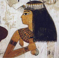 Foto 7. Dama con la menat en la mano. Tumba de Nakht. Tebas oeste. Dinastía XVIII. TT 52. Foto en H. W. MÜLLER, E. THIEN, El oro de los faraones, Madrid, 2001, p. 157.