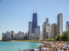 Looking for the best things to do in Chicago on your first visit? Find 39 best things to do in Chicago now. Chicago Beach, Chicago Vacation, Chicago River, Chicago Skyline, Chicago Chicago, Chicago Must See, Chicago Things To Do, Visit Chicago, Chicago Attractions