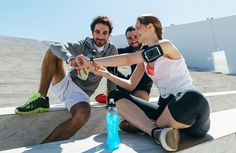 With January 1 more than a month behind us, you might be noticing that some clients are slipping in their devotion to pursue their New Year's health and fitness goals. As a personal trainer, you're already skilled at holding clients accountable and pumping up their motivation. But, hey, it doesn't