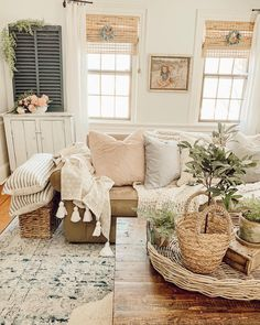 room wallpaper room inspiration living room furniture living room in living room room vs family room room paint ideas living room chairs My Living Room, Home And Living, Living Room Decor, Small Living, Modern Living, Living Room Inspiration, Home Decor Inspiration, Family Room Design, Room Set