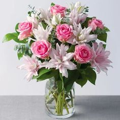 Happy #Monday! To kick start the week we have teamed up with @bunchesuk to give you a chance to win this beautiful Rose & Lily Bouquet.  This is our gift to you to celebrate our awesome community!  For a chance to win follow the steps below: 1. Follow @wombizclub and @bunchesuk 2. Like this post 3. Comment below and tag a friend (to increase the chance of winning you can comment as many times as you wish by tagging all your friends!)  For an extra entry: 4. Repost tag @wombizclub and share it wi