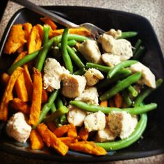 Eating to grow muscle!! Food prep. Green beans chicken sweet potatoes fries. Clean eats!