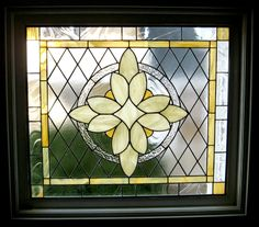Refreshing, visually light and calming. Stained Glass Quilt, Stained Glass Flowers, Faux Stained Glass, Stained Glass Designs, Stained Glass Panels, Stained Glass Projects, Stained Glass Patterns, Leaded Glass, Mosaic Glass