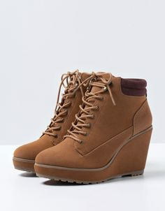 Bershka Latvia -BSK lace-up wedges Wedge Ankle Boots, High Heel Boots, Wedge Shoes, Heeled Boots, Fashion Boots, Sneakers Fashion, Latex Fashion, Emo Fashion, Gothic Fashion