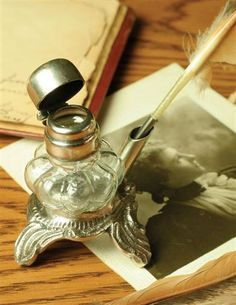 EMILY DICKINSONS INKWELL & QUILL PEN