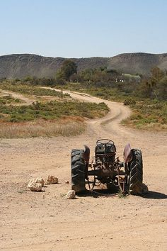 Top 10 Things to do on Route 62 in South Africa South Afrika, Old Tractors, Colorful Trees, Abandoned Places, Touring, Landscape Photography, Cool Pictures, Things To Do, Scenery