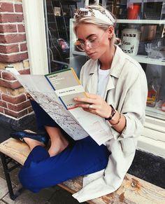 Claartje Rose, Dutch blogger, blue trousers, autumn fashion