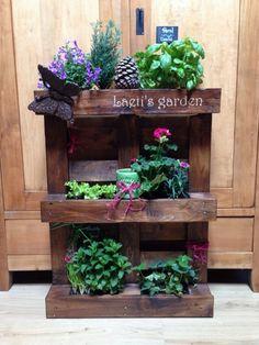 image20 e1403006282809 600x800 Pallet vertical planter in pallet planter 2 pallet garden with Planter Pallets Flower DIY