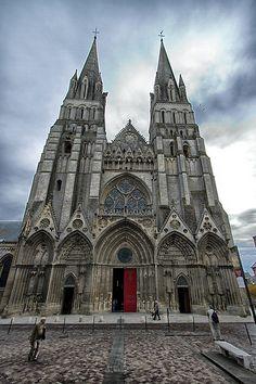 58% van de Fransen zijn Christen. Dit is de Bayeux Cathedral in Bayeux,