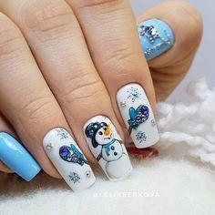 43 fantastic christmas nail art designs to spice up holiday season 62 Snowflake Nail Design, Christmas Nail Art Designs, Winter Nail Designs, Winter Nail Art, Winter Nails, Xmas Nails, Holiday Nails, Christmas Nails, Cute Nails
