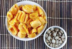 The size & appearance of jackfruit can definitely be intimidating, but have no fear, Sweet Simple Vegan is here to help you cut jackfruit at home!