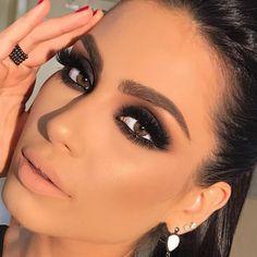 makeup and contacts many eye makeup brushes do i need with makeup drawing makeup remover walmart eye makeup cause migraines makeup looks makeup inspiration for eye makeup Cute Makeup, Glam Makeup, Gorgeous Makeup, Skin Makeup, Makeup Inspo, Makeup Inspiration, Makeup Ideas, Makeup Hacks, Makeup Routine