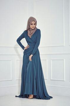 Multi Colored Platted and Long Flowing Abaya's – Girls Hijab Style & Hijab Fashion Ideas Islamic Fashion, Muslim Fashion, Modest Fashion, Fashion Outfits, Korean Fashion, Fashion Ideas, Abaya Mode, Mode Hijab, Abaya Designs