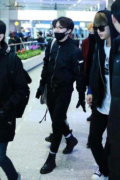 T-4: Favorite JHope Airport Fashion | K-Pop Amino