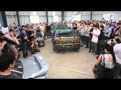 R34 GTR on the 2 step - YouTube