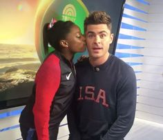 [UPDATE] Here's the Entire Glorious Moment Zac Efron Kissed Simone Biles  - Seventeen.com