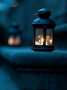 Ideas Ramadan Lighting Decoration For 2019 Photo Bougie, Candle Lanterns, Hanging Lanterns, Lantern Lighting, Fairy Lanterns, Lantern Centerpieces, Garden Lanterns, Christmas Lanterns, Candle Lamp