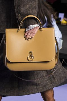 Mulberry at London Fall 2017 (Details) Estilo Lady Like 5821fe6f4e6b1