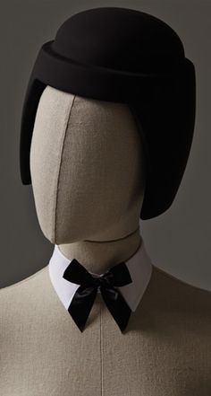 This mannequin is from the 'Crazy Cuts' collection by Hans Boodt Mannequins. In this collection you can ad your own (crazy) haircut on a mannequin. There are beards and haircuts in black, blue and. Artist Mannequin, Mannequin Display, Fashion Window Display, Merchandising Displays, Dress Makeup, Vintage Pictures, World Of Fashion, Pop, Fabric
