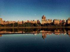 Moon #fall #nyc #centralpark #resevoir #reflection #reflections #photography #photooftheday #remeberwhyilivehere