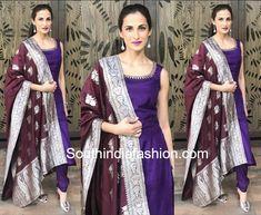 Shilpa Reddy's Ethnic Look – South India Fashion Plain Kurti Designs, Silk Kurti Designs, Churidar Designs, Kurta Designs Women, Kurti Designs Party Wear, Saree Blouse Designs, Dress Designs, Anarkali Dress Pattern, Salwar Pattern