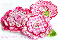 Cute layered flower pattern for fabric or paper.